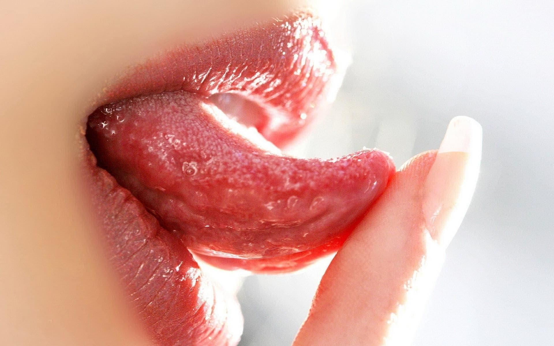 tongue dream meaning, dream about tongue, tongue dream interpretation, seeing in a dream tongue