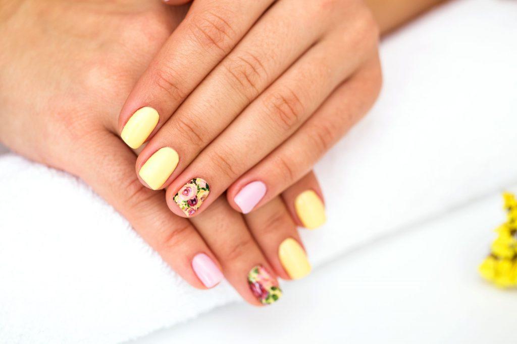 nails dream interpretation