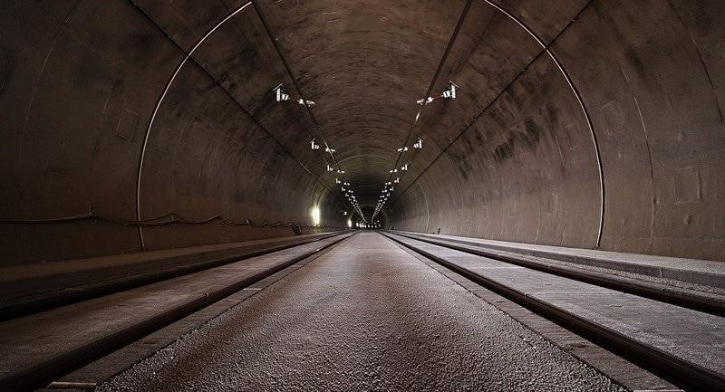dream interpretation tunnel