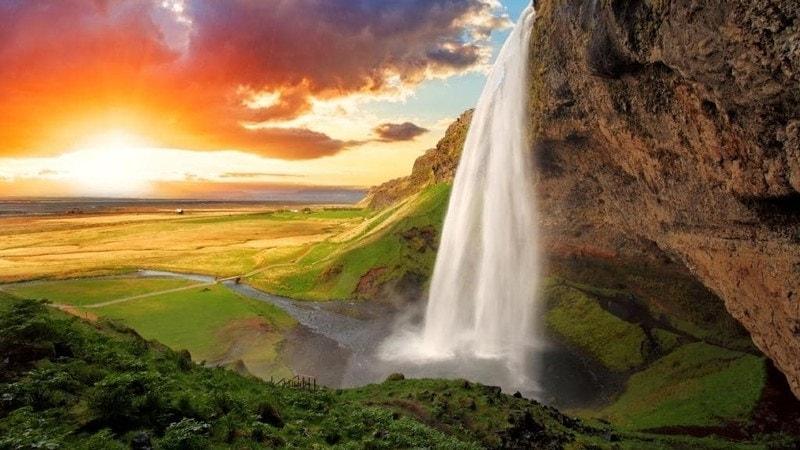 waterfall dream meaning, dream about waterfall, waterfall dream interpretation, seeing in a dream waterfall